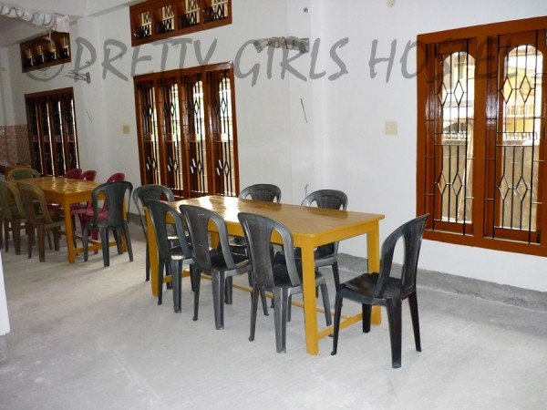 Pretty Girls Hostel Guwahati dining area