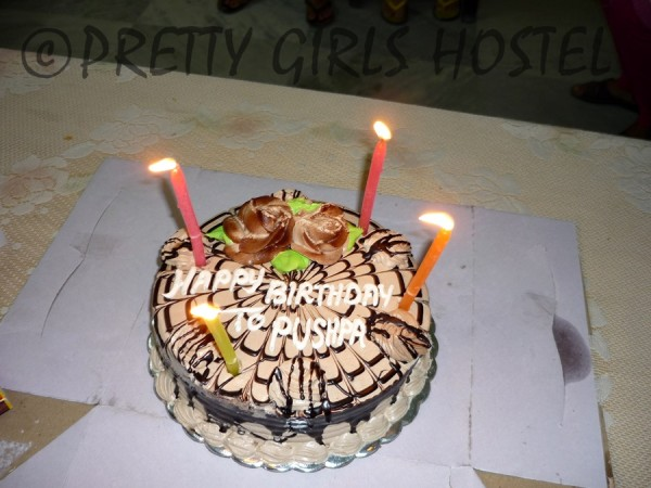 birthday-cake-guwahati-girls-hostel