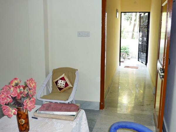 corridor-pretty-girls-hostel-guwahati