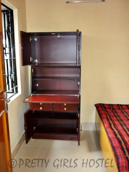 single room pretty girls hostel guwahati