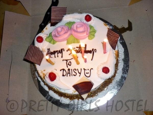 guwahati-girls-hostel-daisy-birthday-cake