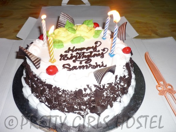 birthday-celebrations-samshi-pretty-girls-hostel-guwahati